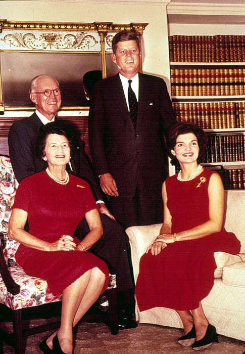 Bookshelf Photograph - John F. Kennedy, Jacqueline Kennedy by Everett