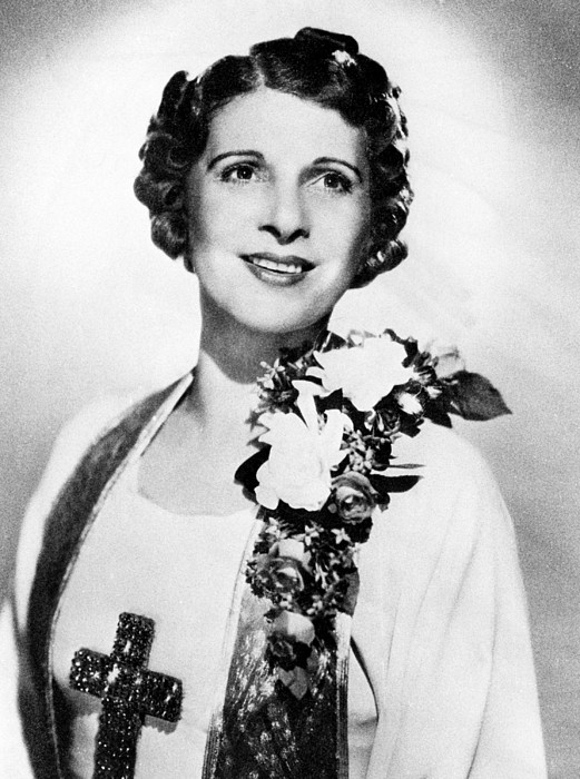 Aimee Semple Mcpherson, 1890-1944 Photograph by Everett
