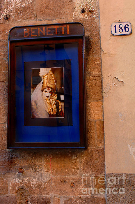 Italy Photograph - Beniiti In Lucca by Bob Christopher