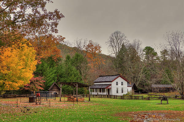 2010 Photograph - Cable Mill House by Charles Warren