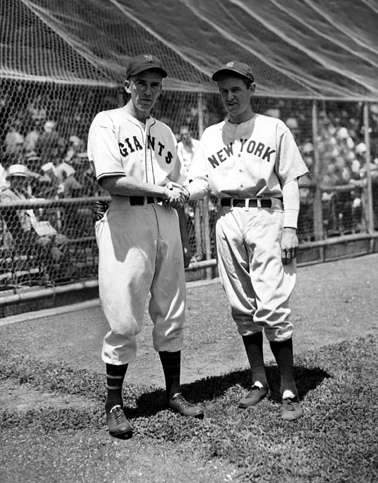 1930s Candid Photograph - Carl Hubbell & Vernon Lefty Gomez by Everett