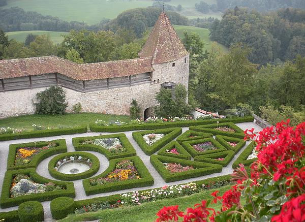 Switzerland Photograph - Castle Of Gruyeres Switzerland by Marilyn Dunlap