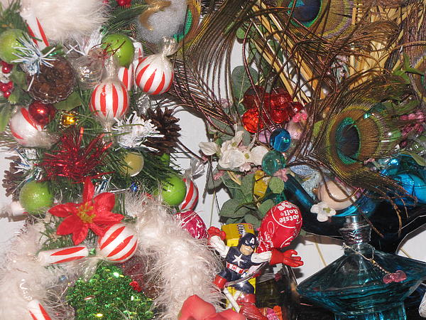 Christmas Glass Art - Close Up by HollyWood Creation By linda zanini