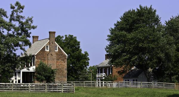 Appomattox Photograph - Clover Hill Tavern And Kitchen Appomattox Virginia by Teresa Mucha