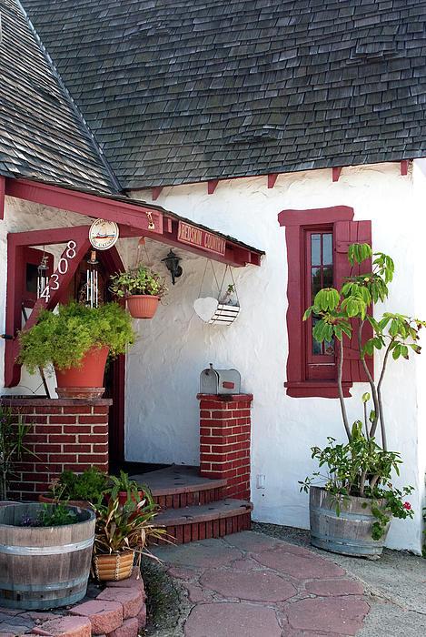 House Exterior Photograph - Cottage Charm by Lorraine Devon Wilke