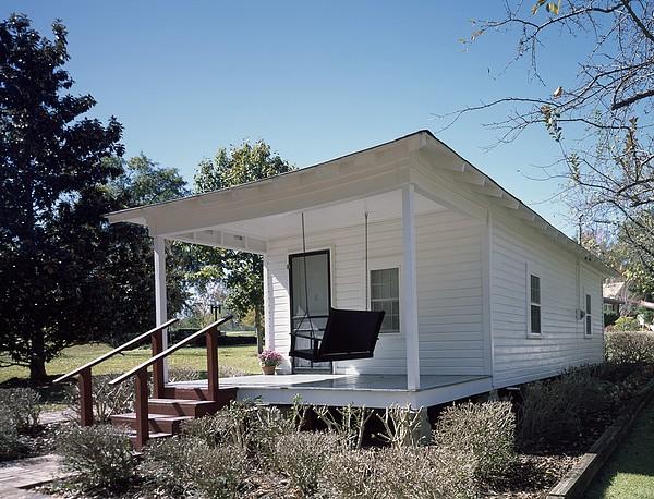 History Photograph - Elvis Presleys Birthplace, Tupelo by Everett