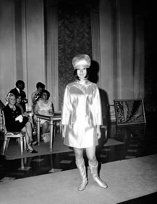 History Photograph - Emilio Pucci Ensemble Influenced by Everett