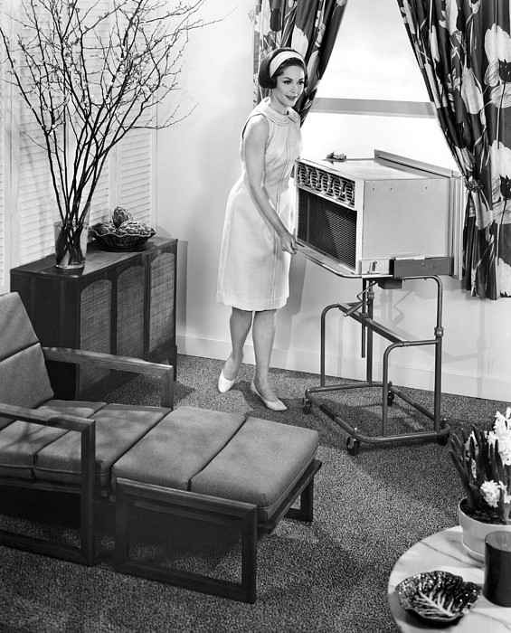 Air Conditioner Photograph - Ev1916 - The 1963 General Electric by Everett