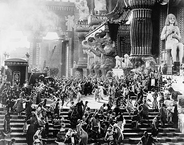 1916 Photograph - Film: Intolerance, 1916 by Granger