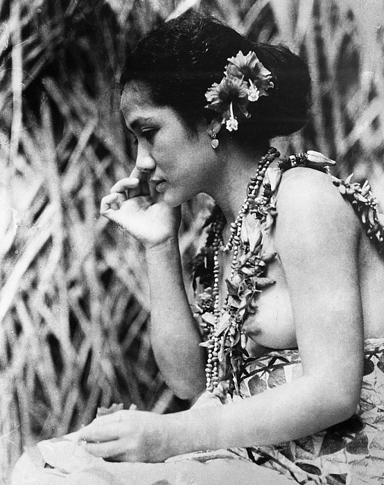1926 Photograph - Film: Moana, 1926 by Granger