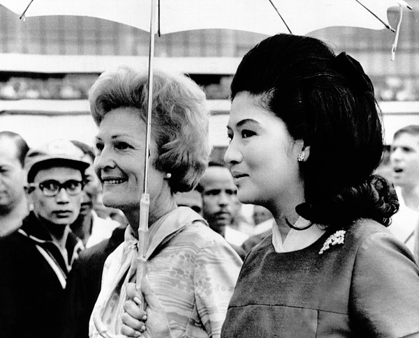 History Photograph - First Lady Pat Nixon Left And Imelda by Everett