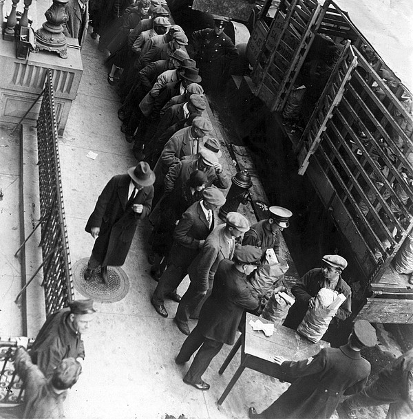 1930s Photograph - Food Handouts In New York In 1930 by Everett