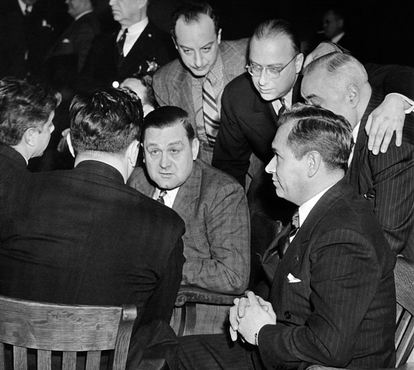 History Photograph - George Bugs Moran On Trial For Forgery by Everett
