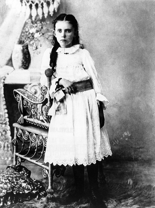 History Photograph - Hannah Milhaus At The Age Of 10. The by Everett