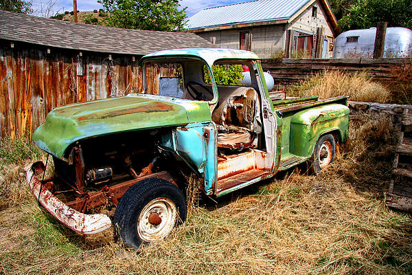 Hdr Photograph - Hdr Old Truck by Joe Myeress