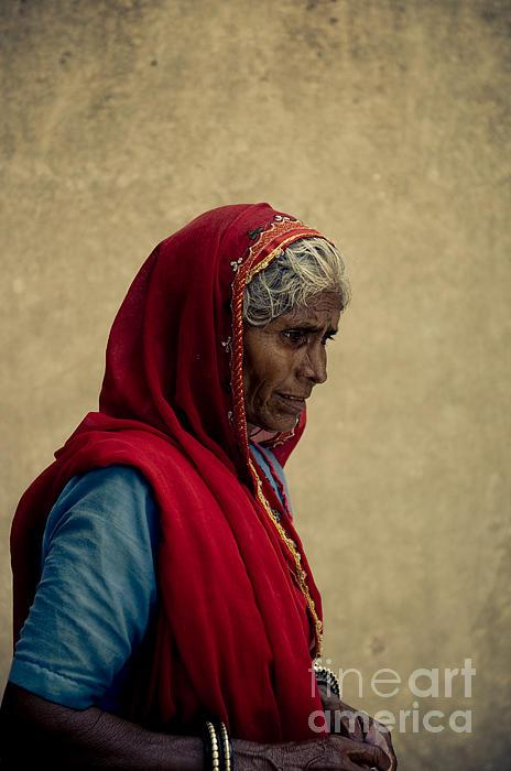 Woman Photograph - Indian Woman by Inhar Mutiozabal