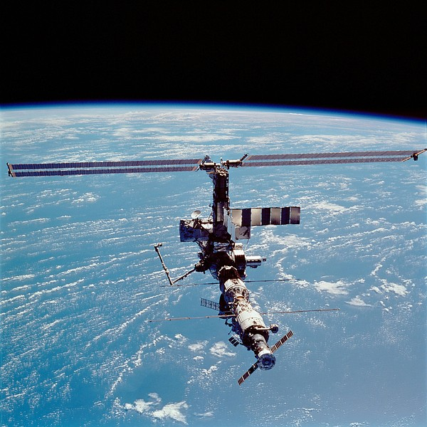 History Photograph - International Space Station In 2002 by Everett