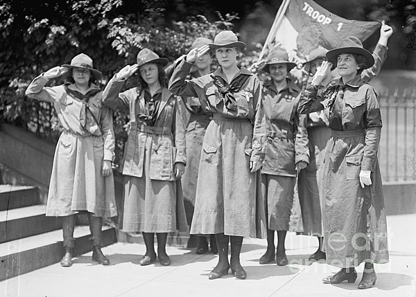 History Photograph - Juliette Daisy Low, Founder Of The Girl by Photo Researchers