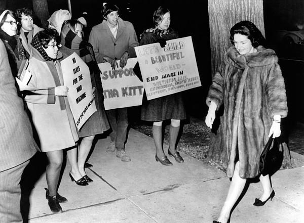 History Photograph - Lady Bird Johnson Walks Past A Group by Everett