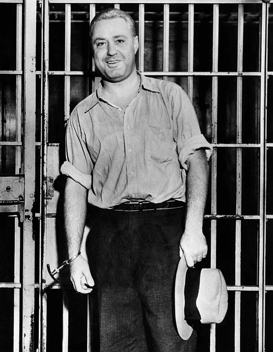 History Photograph - Machine Gun Kelly, Handcuffed To Cell by Everett