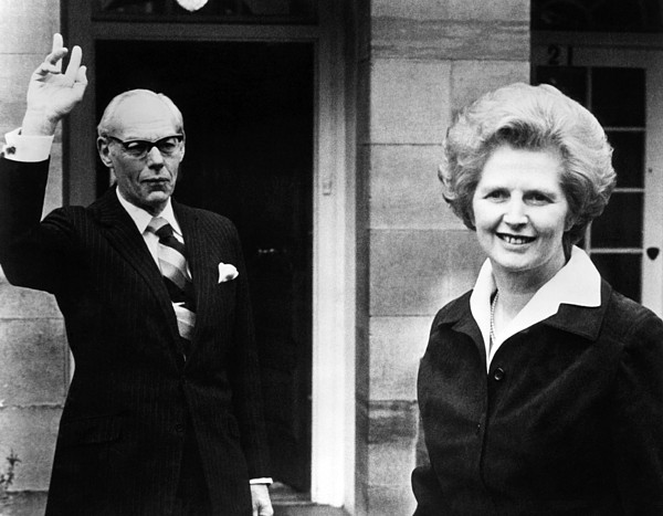 20th Century Photograph - Margaret Thatcher Right by Everett
