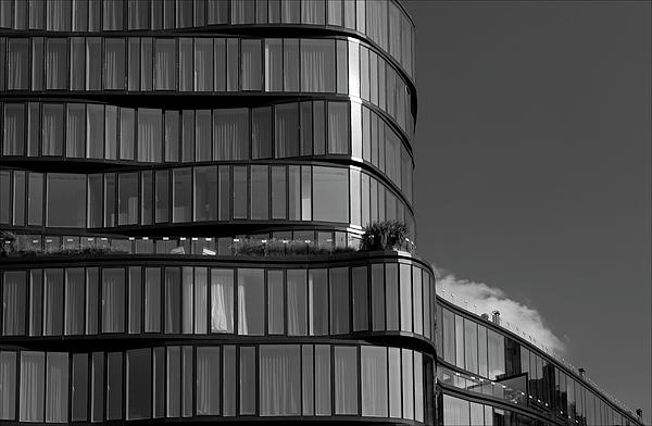 Architecture Photograph - Modern Building Chelsea Nyc by Robert Ullmann