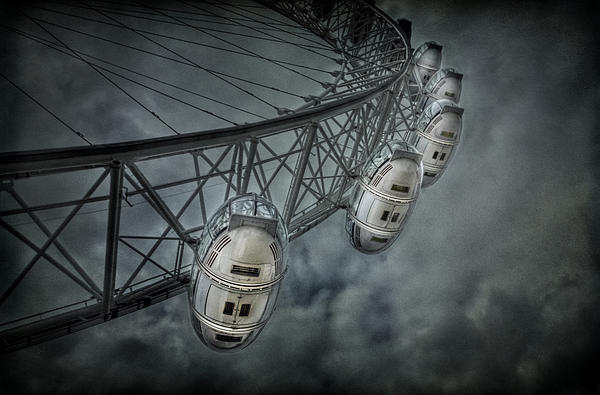 London Photograph - More Then Meets The Eye by Evelina Kremsdorf