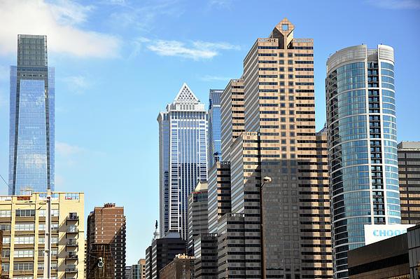 Philadelphia Skyline Photograph - Philadlephia Skyline by Andrew Dinh
