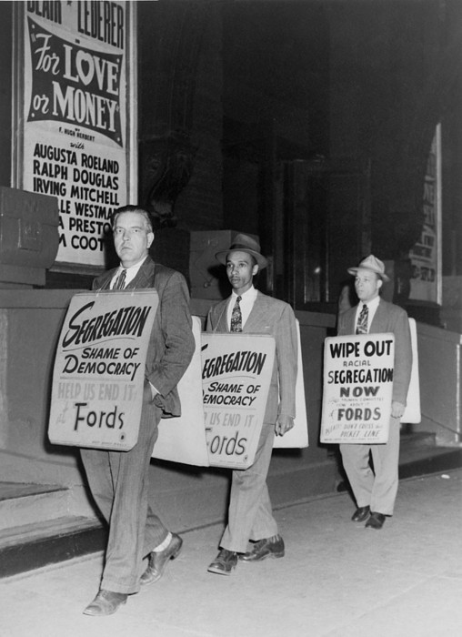 History Photograph - Pickets Protest In Front Of Baltimores by Everett