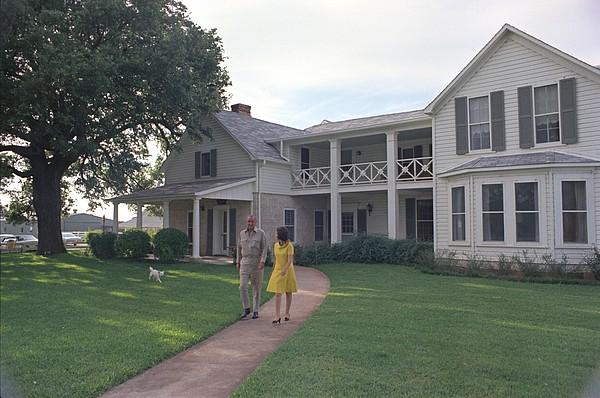History Photograph - President Lyndon Johnson, Lady Bird by Everett
