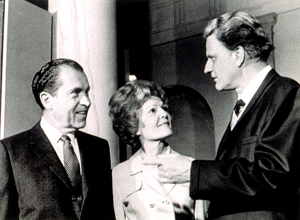 Chatting Photograph - President Richard M. Nixon & First Lady by Everett