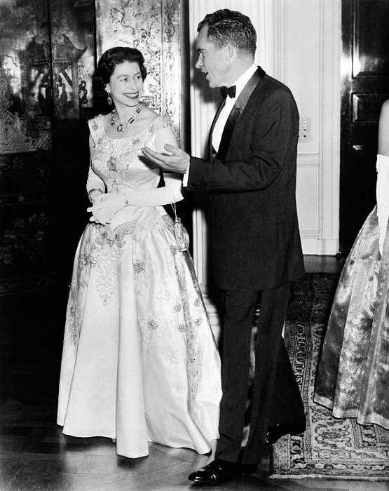History Photograph - Queen Elizabeth II And Vice President by Everett