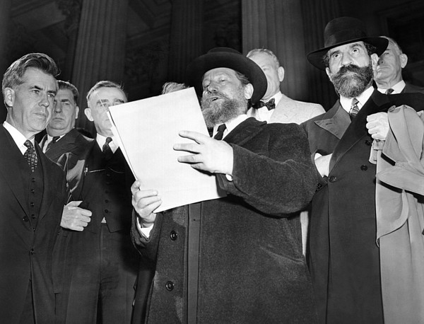 History Photograph - Rabbi Eliezer Silver Reads A Petition by Everett