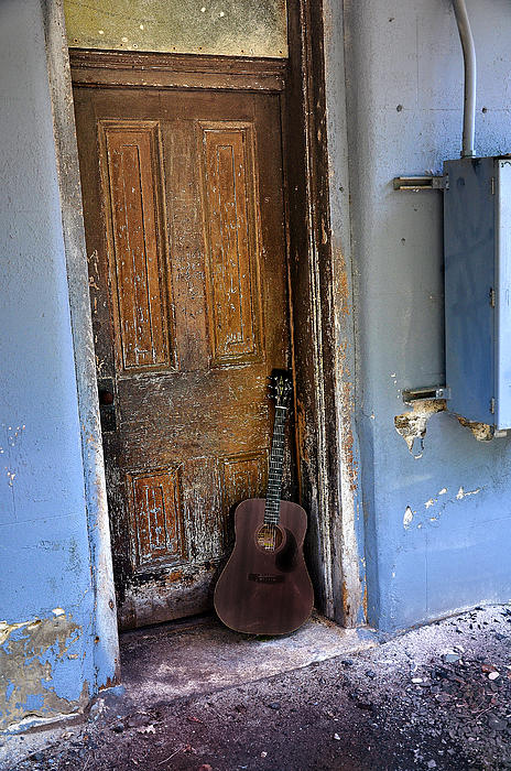 Guitar Photograph - That Old Guitar by Bill Cannon