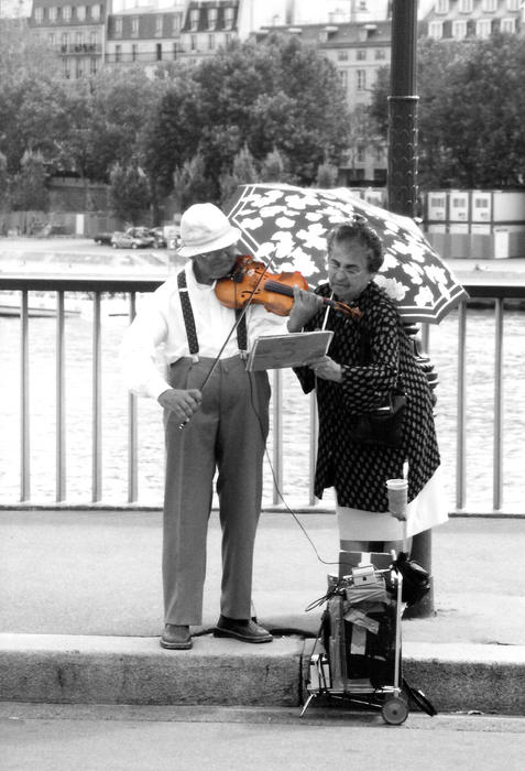 Paris Photograph - The Couple by Kelly Jones