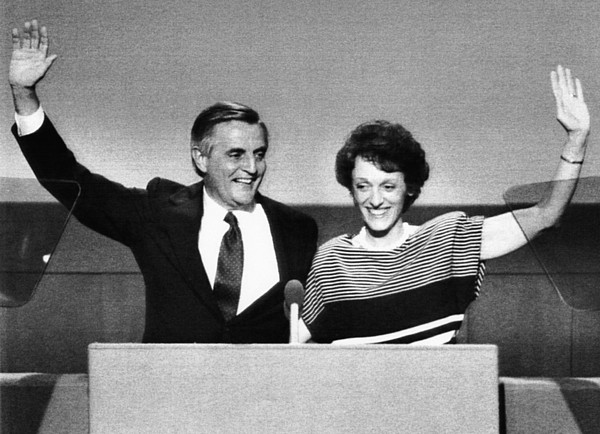 1980s Photograph - Us Elections. Democratic Presidential by Everett