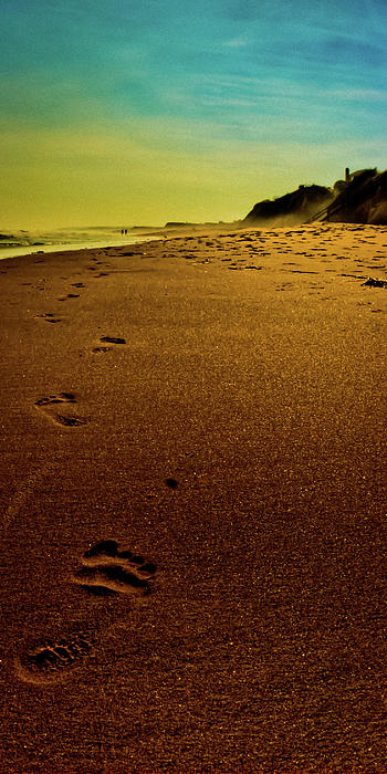 Atlantic Photograph - Walking Off Into The Sunset by David Hahn