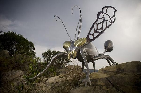 Sculpture Sculpture - Wasp by Jaques