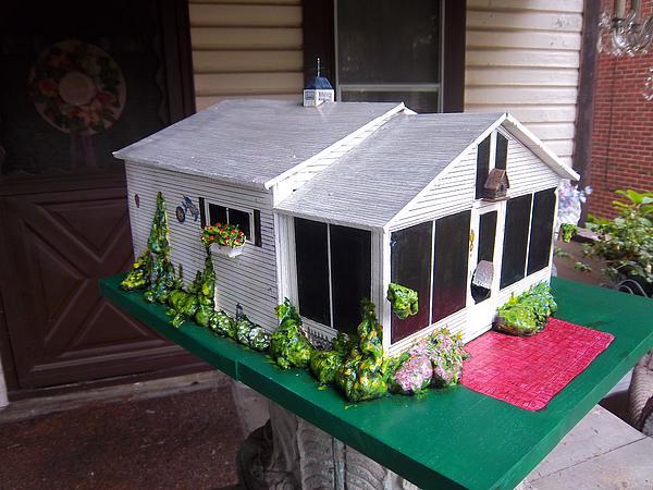 Bird House Painting - Wendys Cottage Birdhouse by Gordon Wendling