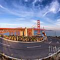 Cyclist and Golden Gate Bridge