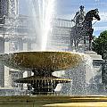 Essential Elements Of Trafalgar Square by Vicki Jauron