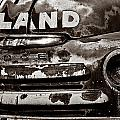 Hi-land  -bw by Christopher Holmes