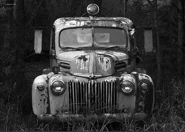 Fire Truck Photograph - Fire Truck by Ron Jones