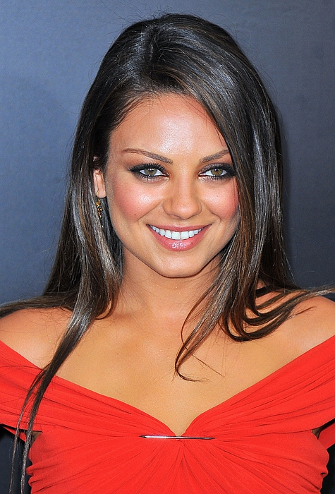 Premiere Photograph - Mila Kunis At Arrivals For Friends With by Everett