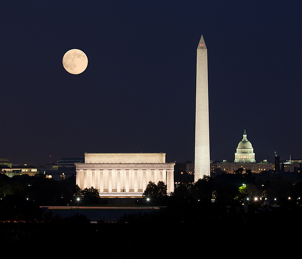 Moon Photograph - Moon Rising In Washington Dc by Steven Heap