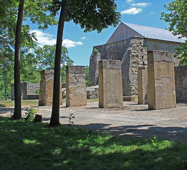 Hopewell Photograph - Stonehenge At Lockridge by Robert Sander