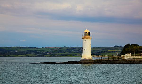 Lighthouse Photograph - Tarbert Lighthouse by Gabriela Insuratelu