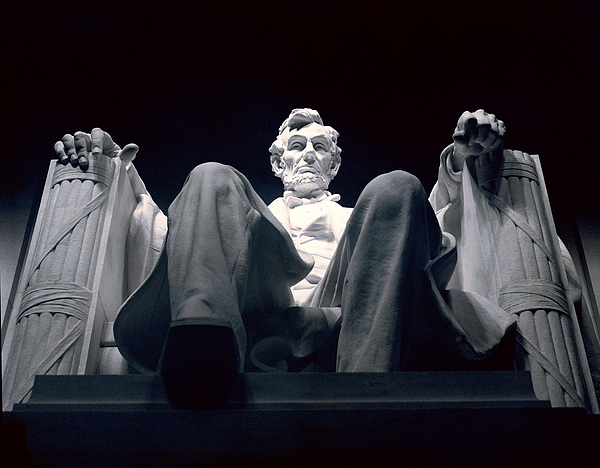 Sculpture Photograph - The Abraham Lincoln Statue by Rex A. Stucky