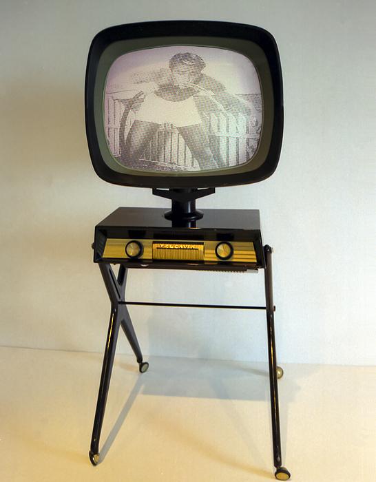 Retro Television Photograph - Retro Tv by Matthew Bamberg