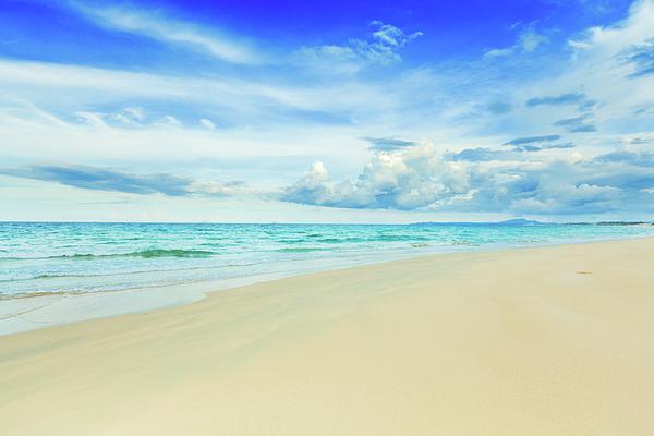 Bahamas Photograph - Beach by MotHaiBaPhoto Prints